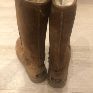 Women Uggs tall classic chestnut boot